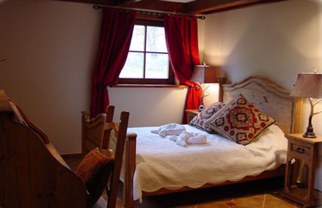 g te le domaine tomali maniatyn. Black Bedroom Furniture Sets. Home Design Ideas